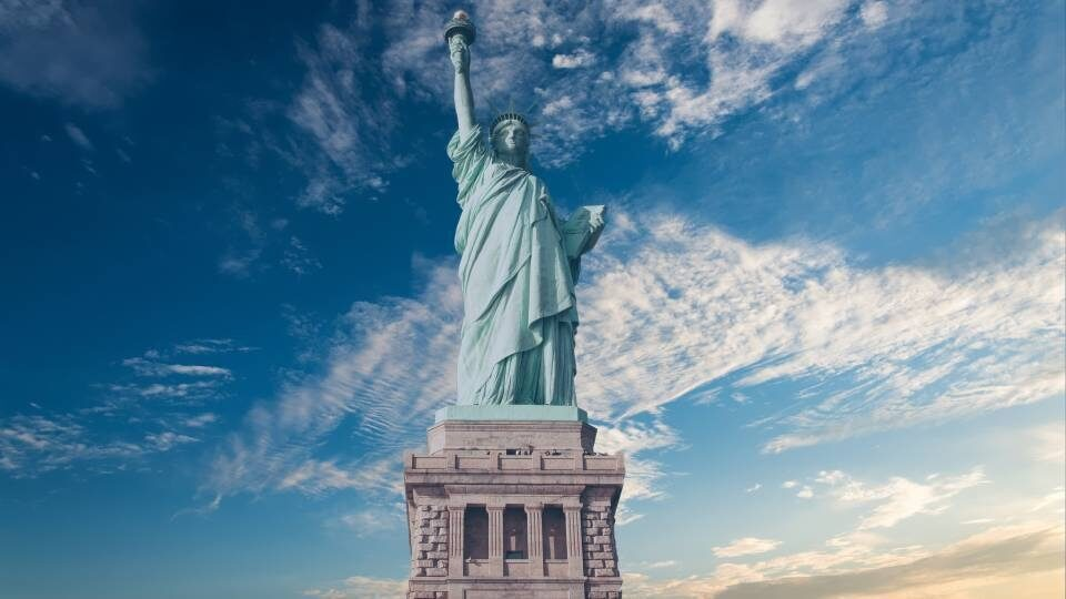 https://www.focus-on.gr/wp-content/uploads/2020/11/newyorkstatue.jpg